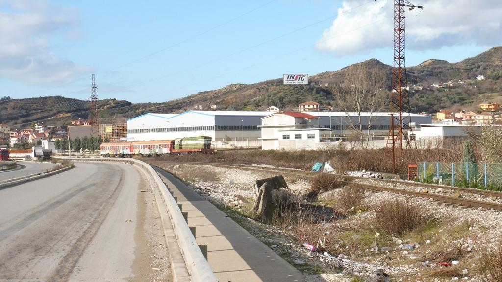 http://bode-elektronik.de/Fotos/Albanien/Vore_Zug_nach_Shkodra_01.JPG